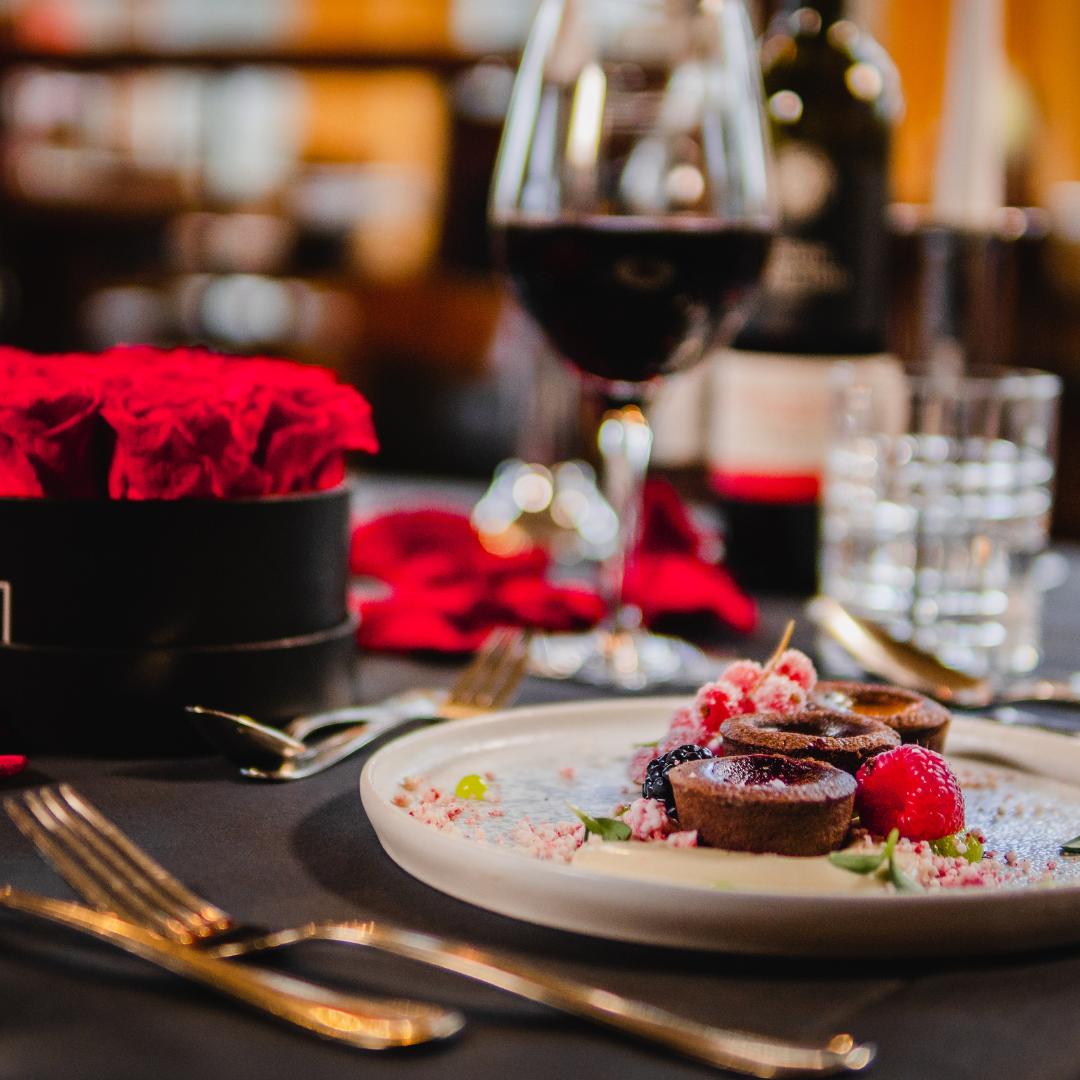 Dinner, Rosen, Wein, Essen